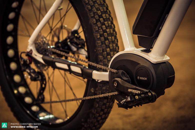 Unverkennbar setzt Bulls auch beim E-Fatbike auf das Antriebskonzept aus dem Hause Bosch